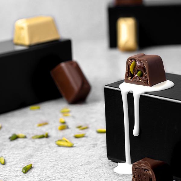 Milk Chocolate Praline with Crack Pistachio