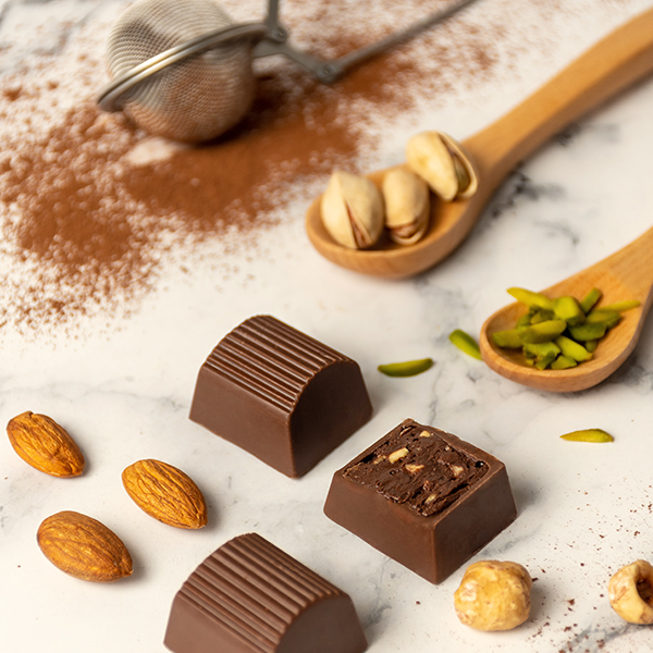 Milk Chocolate Praline with Mixed nuts